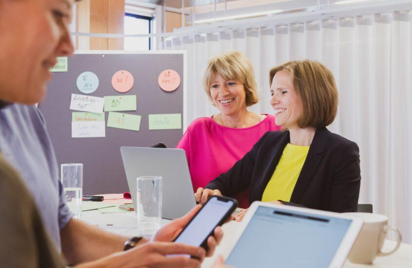 HR EXPERTS GROUP -DIGITALWERKSTATT